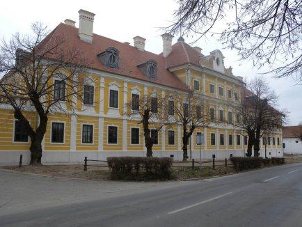 Dvorac Eltz, Vukovar_0 - Knauf